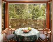 Totara bay window