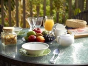 Cottage-Breakfast-table