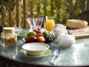 Cottage-Breakfast-table