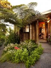 Totara Cottage Entry